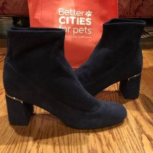 Cole Haan blue stretch ankle boots sz 10